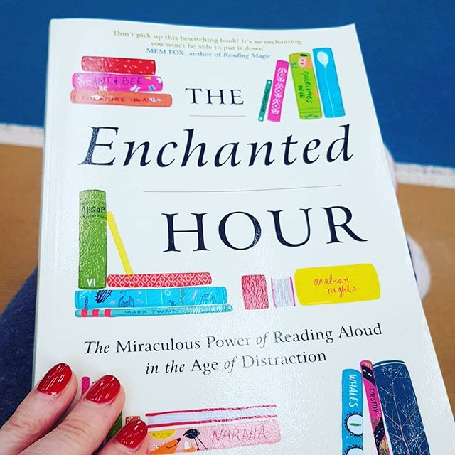 The enchanted hour by Meghan Cox Gurdon. Starting into some teacher reading and reasearch. This is grounded in neuroscience and behavioural research. Very excited to read this.